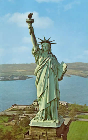 What does the statue of liberty look like